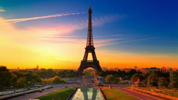 Eiffel Tower at Sunset wallpapers and stock photos