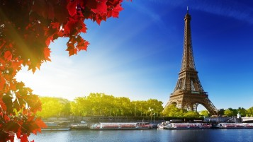 Eiffel Tower and the Senne wallpapers and stock photos