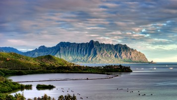 Heeia Fish Pond And Kualoa wallpapers and stock photos