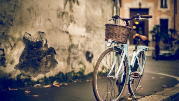 Vintage Bike de la Mujer wallpapers and stock photos