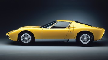 Lamborghini Miura 1971 wallpapers and stock photos