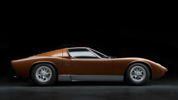 Bertone Lamborghini Miura P400 wallpapers and stock photos