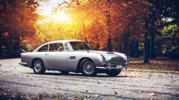 Vintage Aston Martin DB5 wallpapers and stock photos
