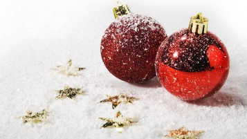 Red Christmas Ornaments wallpapers and stock photos