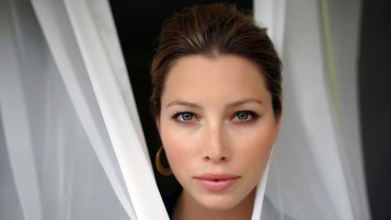 Jessica Biel Close-up wallpapers and stock photos