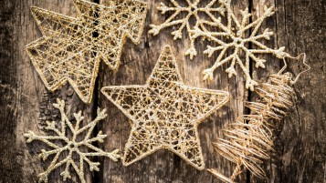 Small Gold Christmas Ornaments wallpapers and stock photos