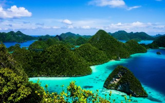 Indonesia Islands Blue Water wallpapers and stock photos