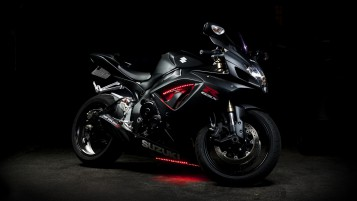 Schwarz Suzuki GSX-R wallpapers and stock photos