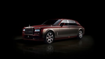 Burgundy Rolls Royce Phantom on Dark Background wallpapers and stock photos