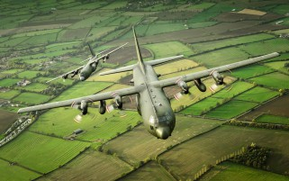 C-130K Hércules Militar Trans wallpapers and stock photos