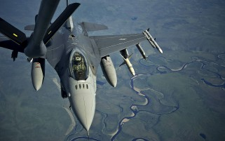 F-16 Fighting Falcon River wallpapers and stock photos