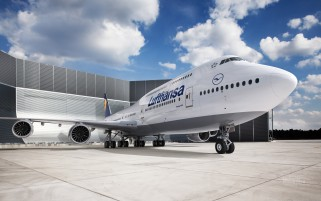 Lufthansa Airport wallpapers and stock photos