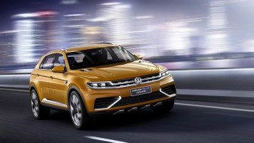 Volkswagen Crossblue Coupe Concep Front Angle Speed wallpapers and stock photos