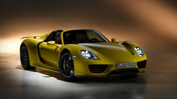 Porsche 918 Spyder wallpapers and stock photos