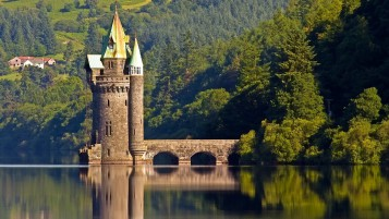 The Vyrnwy Tower wallpapers and stock photos