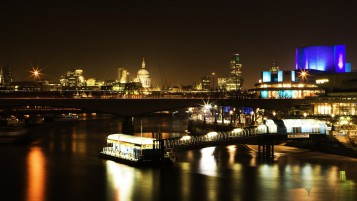 London Night Lights wallpapers and stock photos