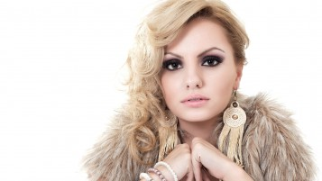 Hermosa Alexandra Stan Primer plano wallpapers and stock photos
