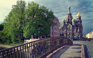 St Petersburg Bridge wallpapers and stock photos