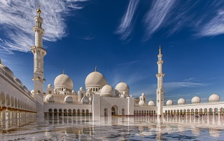 Sheikh Zayed Grand Mosque wallpapers and stock photos