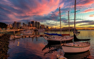 Barcos de San Diego en el puerto wallpapers and stock photos