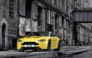 Aston Martin V12 Vantage S wallpapers and stock photos