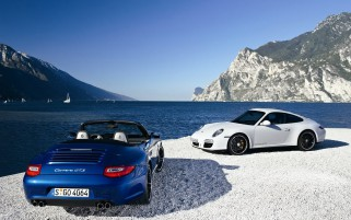 Porsche 911 Carrera GTS wallpapers and stock photos