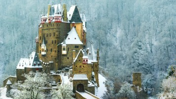Burg Eltz Castle Germany wallpapers and stock photos
