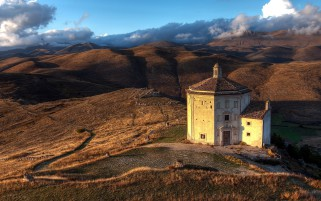 Church Abruzzo Italy wallpapers and stock photos