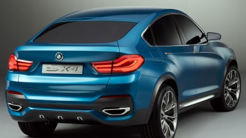 BMW X4 Rear wallpapers and stock photos