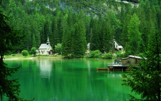 Lago Di Braies Prags Italy wallpapers and stock photos