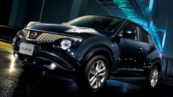Black Nissan Juke wallpapers and stock photos