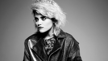 Sky Ferreira alb-negru wallpapers and stock photos