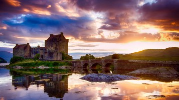 Eilean Donan Castle wallpapers and stock photos