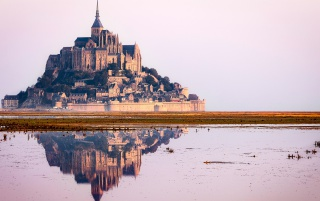 Mont Saint Michel Castle wallpapers and stock photos