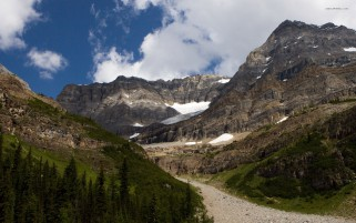 Trail Leading To Lake Louise wallpapers and stock photos