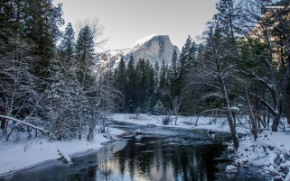 Snowy Yosemite National Park wallpapers and stock photos