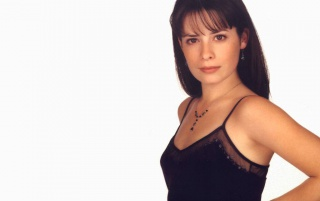Random: Holly Marie Combs