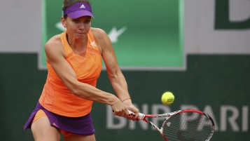 Simona Halep Tenis Match wallpapers and stock photos
