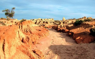 Mungo National Park Australia wallpapers and stock photos
