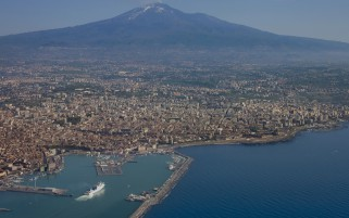 Catania si Etna Aerial View wallpapers and stock photos