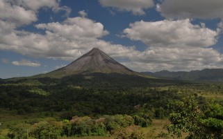 Arenal Volcano Costa Rica wallpapers and stock photos