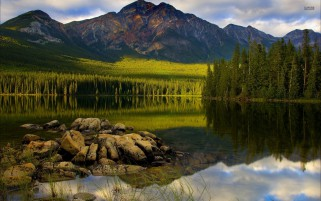 Jasper National Park Alberta wallpapers and stock photos