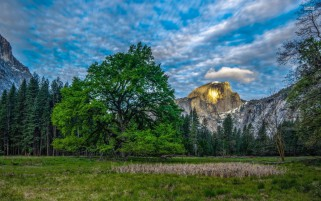 Great Sunny Half Dome Yosemite wallpapers and stock photos