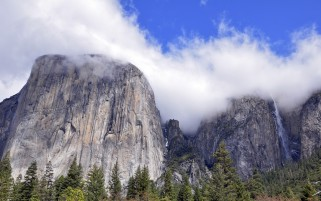 Random: Powerful Mountains Yosemite