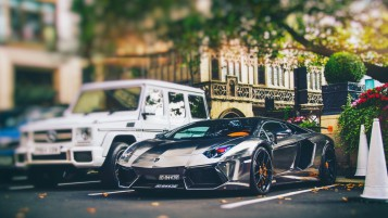 Lamborghini Aventador Chrome wallpapers and stock photos