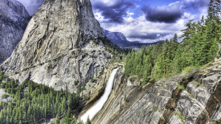 Nevada Falls Yosemite Mountain wallpapers and stock photos