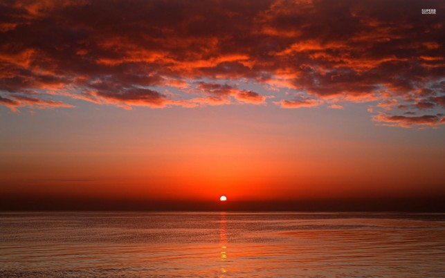 Red Sunset Ocean & Rojas Nubes wallpapers and stock photos