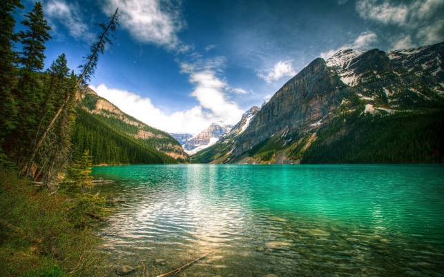 Fascinating Lake Louise Canada wallpapers and stock photos