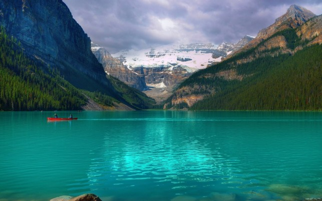 Emerald Lake Louise Canada wallpapers and stock photos