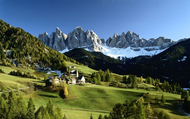 Veduta Delle Dolomiti wallpapers and stock photos